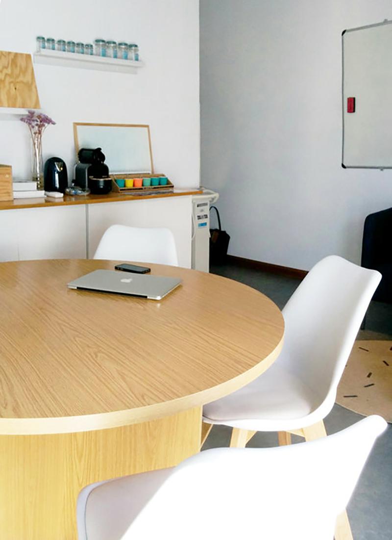 emmme+studio_oficina+Centro+Pronaf_mesa+trabajo